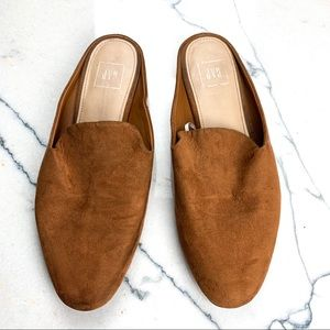 Gap Camel Loafers size 10